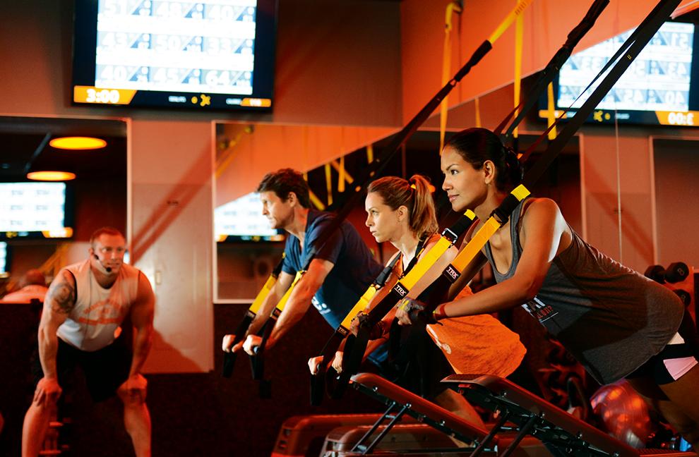 """Im """"Orangetheory Fitness"""" in NYC wird neben Laufbändern auch auf Rudergeräten trainiert"""
