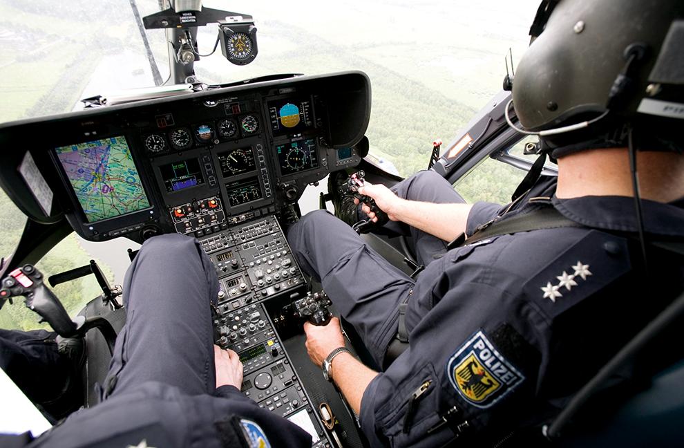 Luftsicherheit: Die Polizei ist auch per Helikopter unterwegs. Wer hier kein ausreichendes Fitnesslevel vorweist, wird nicht in diese Einheit aufgenommen